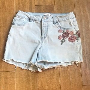 Artisan NY Embroidered Denim Shorts